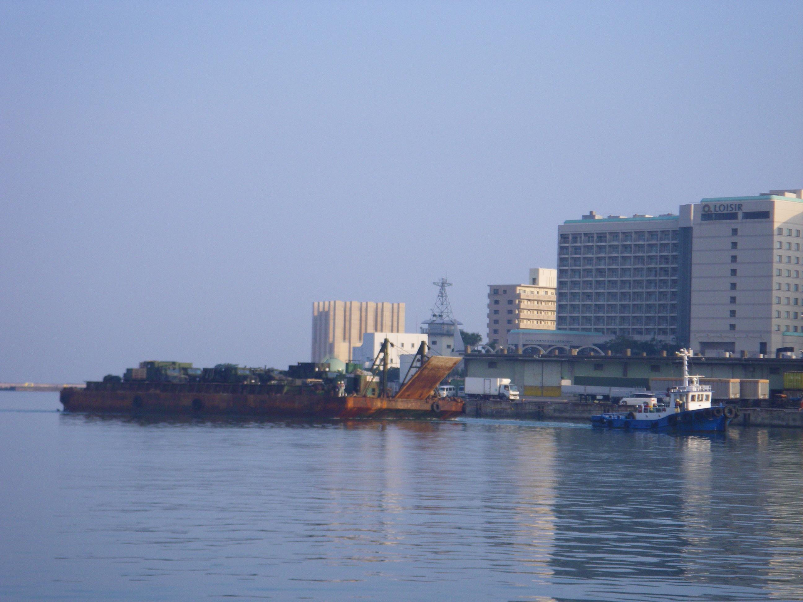 バージ船・海上輸送
